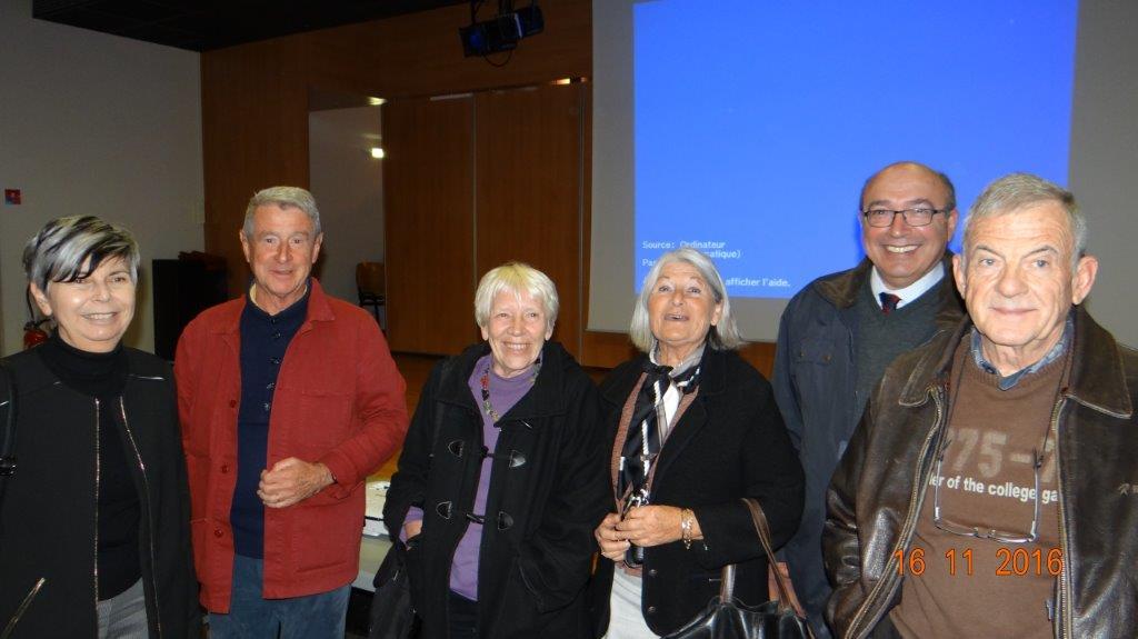 (de gauche à droite) : Fabienne DAUMEZON ; Stéphane CHATAGNON ; Anne RICHER ; ELISABETH CHATAGNON ; Bernard SASSO.